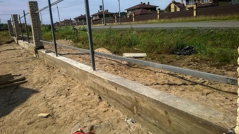lentochnyj-fundament-pod-zabor